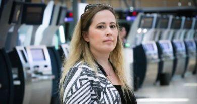她被扒光衣服全裸搜身! 加拿大边境服务局(CBSA)2年遭800次投诉